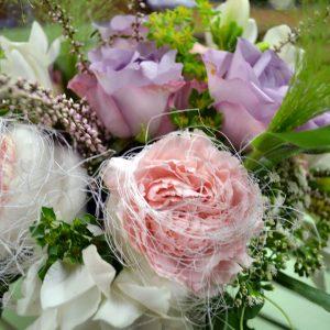Kukat arkeen ja juhlaan
